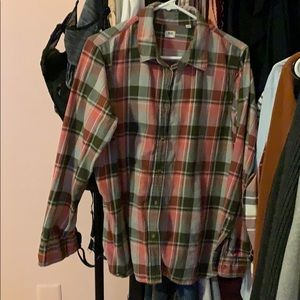 Uniqlo plaid button up shirt